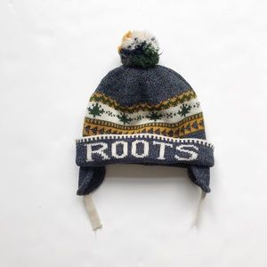 Roots Sherpa lined knit pom winter hat EUC 3-5T